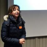 Julie Søgaard fra Kosmosklubben byder velkommen