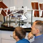 Model af ISS studeres nøje