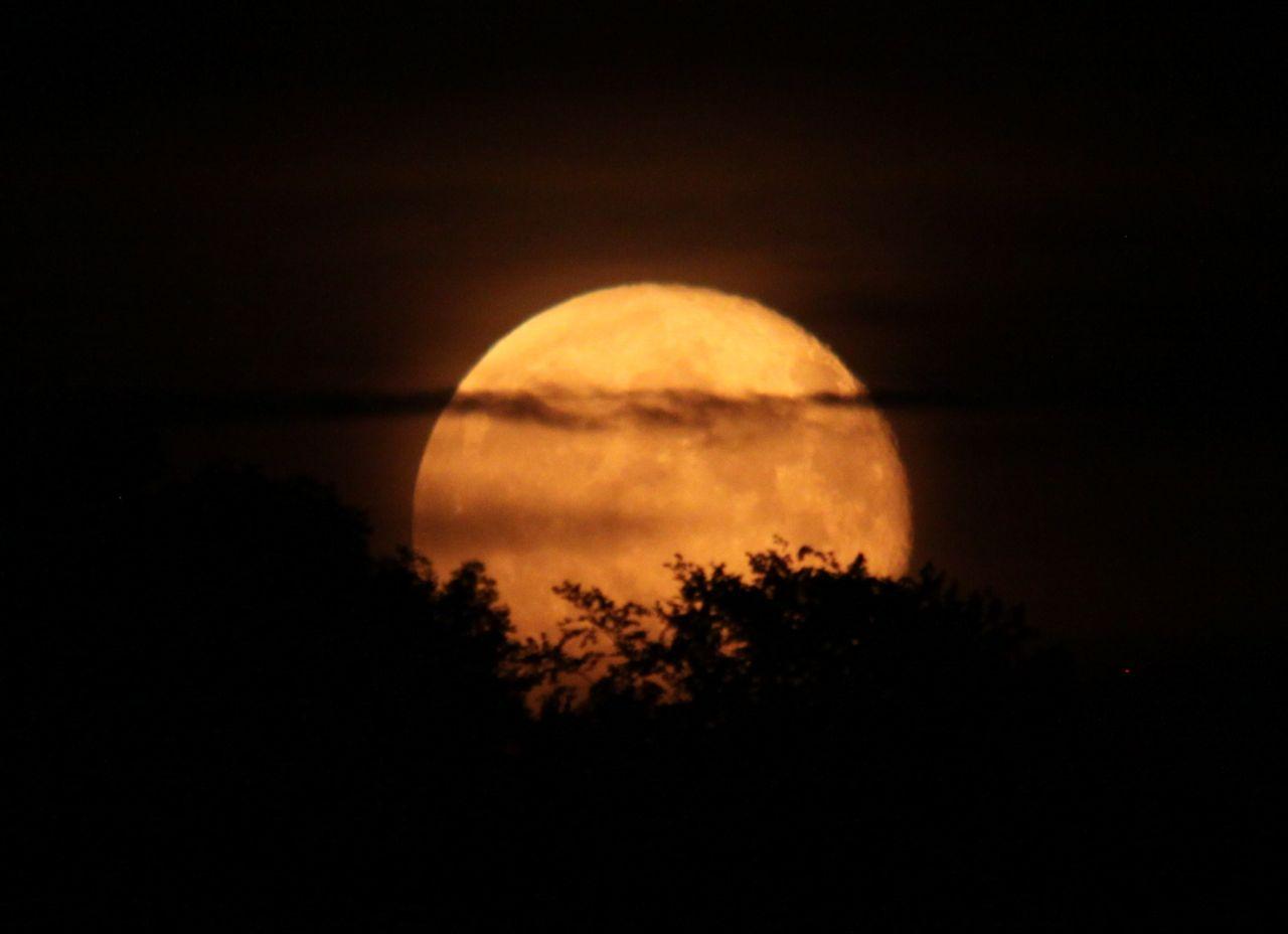 Den 6. september 2014 vender mennesker over hele verden blikket mod vores smukke nabo og følgesvend - Månen, når International Observe The Moon Night markeres.